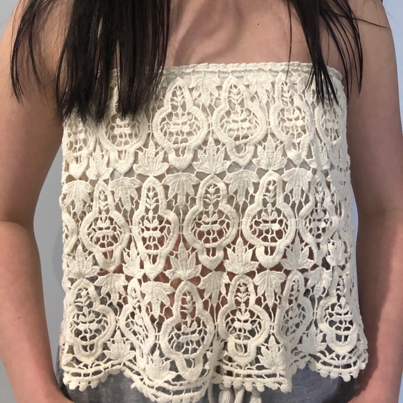 Forever 21 Strapless Cream Lace Top Size: S